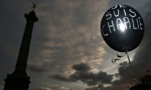 """A balloon reading """"Je suis Charlie"""" in Paris"""